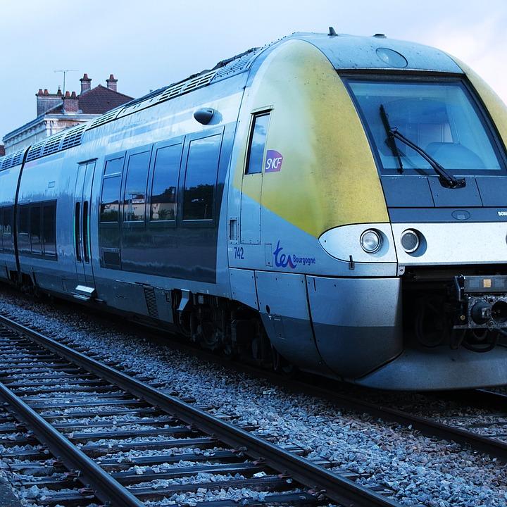 train-352041_960_720